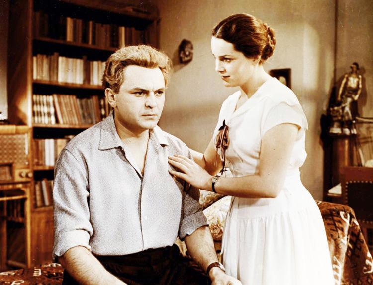 Стоп-кадр из кинофильма «Неоконченная повесть»