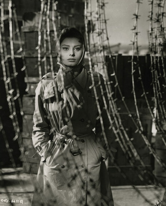Софи Лорен в платке. Фото / Sophia Loren. Photo