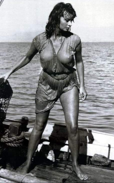 София Лорен в фильме Мальчик на дельфине/ Sophia Loren in Boy on a Dolphin (1957 film)