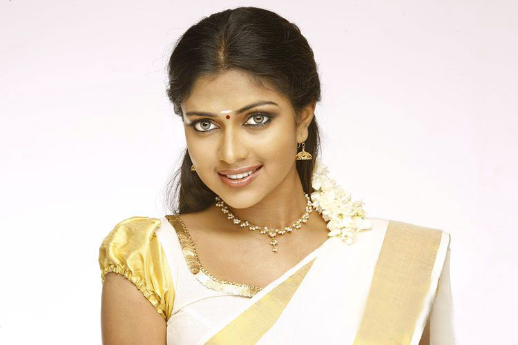 Индийская актриса Амала Паул в сари. Фото / Amala Paul in sari. Photo